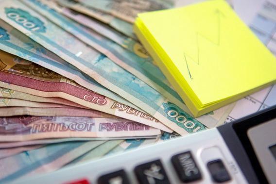 Долги россиян растут быстрее сбережений