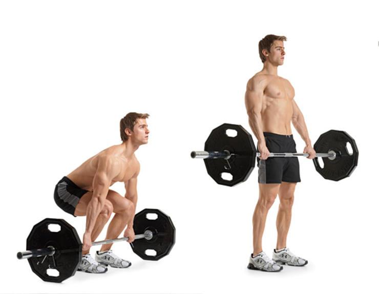 Становая тяга Очень важно выполнять становую тягу правильно. Рывки, неправильная постановка ног, торопливость — легчайший способ получить серьезную травму спины. Но если делать все верно, то становая тяга превратится в лучшее упражнение для всего тела. Поддерживайте естественный прогиб в нижней части спины. Хват — на ширине плеч, обычный. Тяните корпус вверх, одновременно выталкивая бедра немного вперед. Конечная точка — небольшая пауза и плавное возвращение штанги в исходное положение.