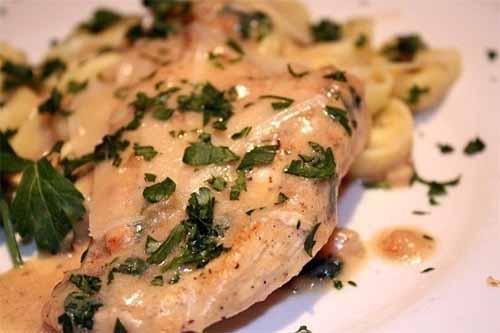 Куриные грудки в сливочном соусе