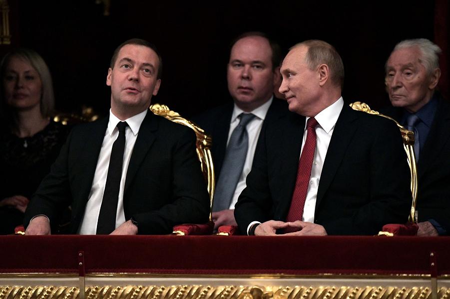 Управление Минкульта в Приволжье заказало утилизацию портретов Путина и Медведева