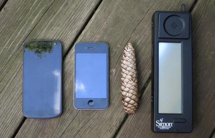 Устройство, которое нас поработило: 14 интересных фактов о смартфонах