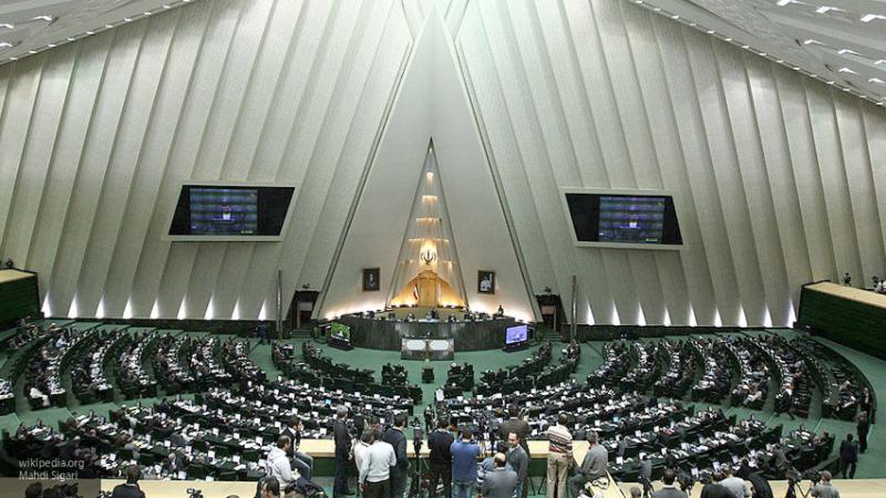 Пять депутатов парламента Ирана заражены коронавирусом
