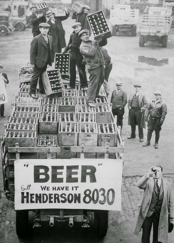 1. Торговцы готовятся к отмене сухого закона в Огайо, США, 1933 год архив, исторические фото, фото, фото из прошлого