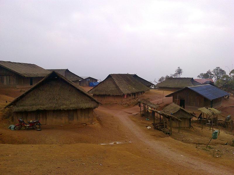 Долина кувшинов в Лаосе и следы сражений...