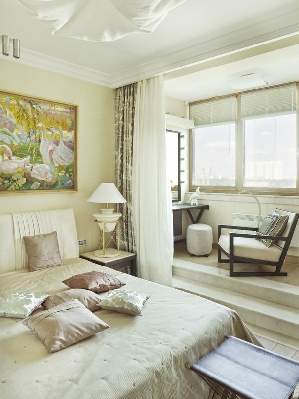 Дизайн спальни с балконом: фото и 5 критериев их объединения