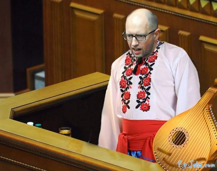 СМИ: Яценюка задержали в аэр…