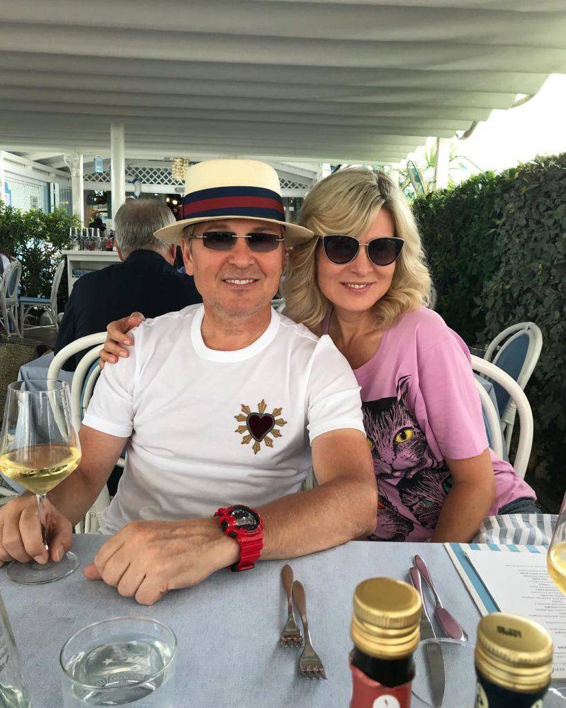 «Волочкова нервно курит»: супруга Александра Малинина затмила красотой и изяществом известную балерину