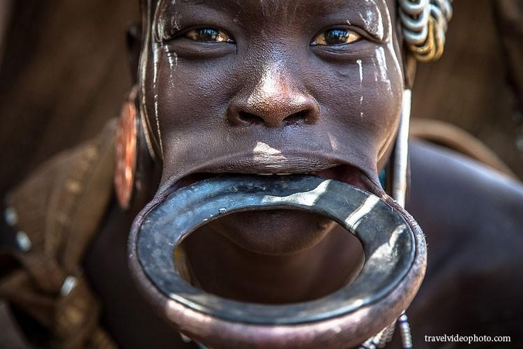 Самые страшные и агрессивные в мире Мурси, африка, видео, племена, путешествия, эфиопия