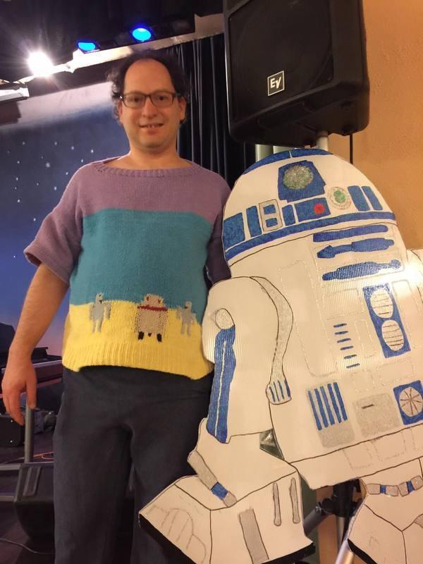 3. Свитер с R2-D2 интересное, пряжа, свитера, фото