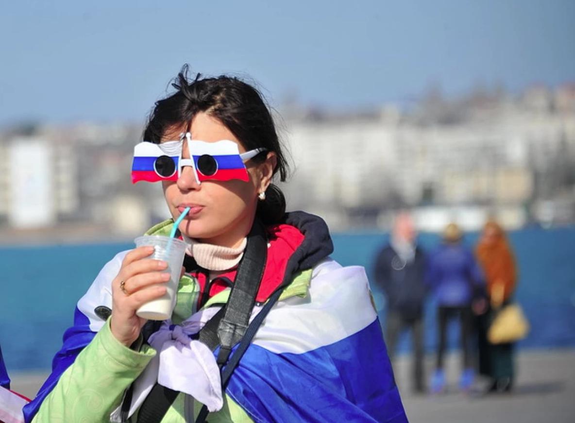 Россияне массово пытаются получить ВНЖ в странах Прибалтики