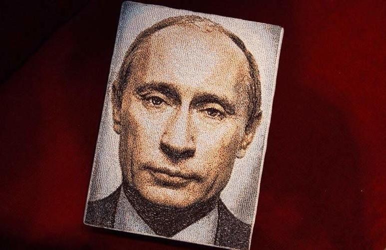 Путин попал на женские сумоч…