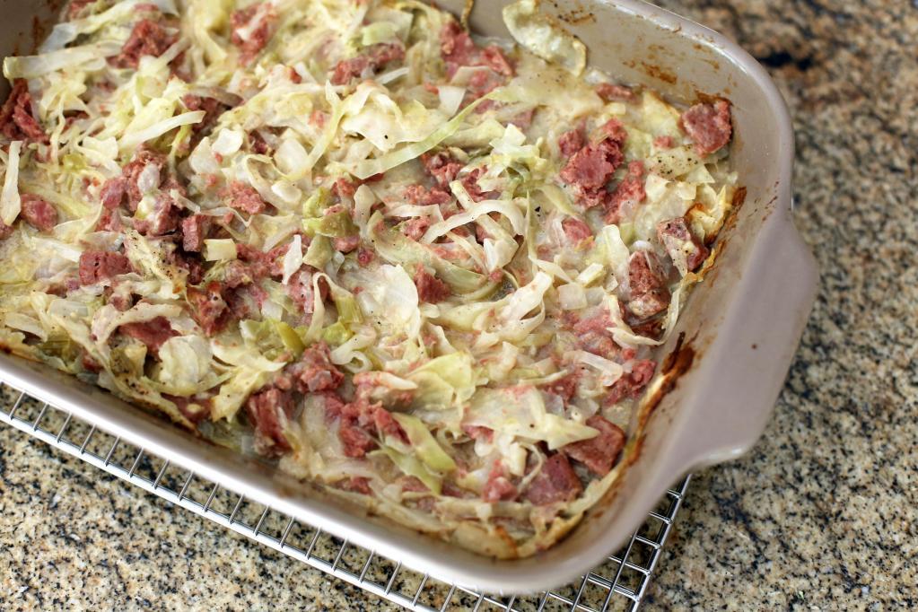 Тушеная капуста с мясом в духовке: подборка вкусных рецептов