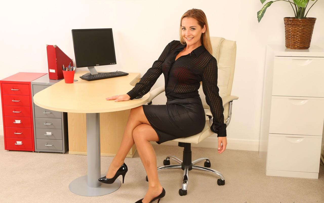Офисная секретарша фото, толстяк в ванной
