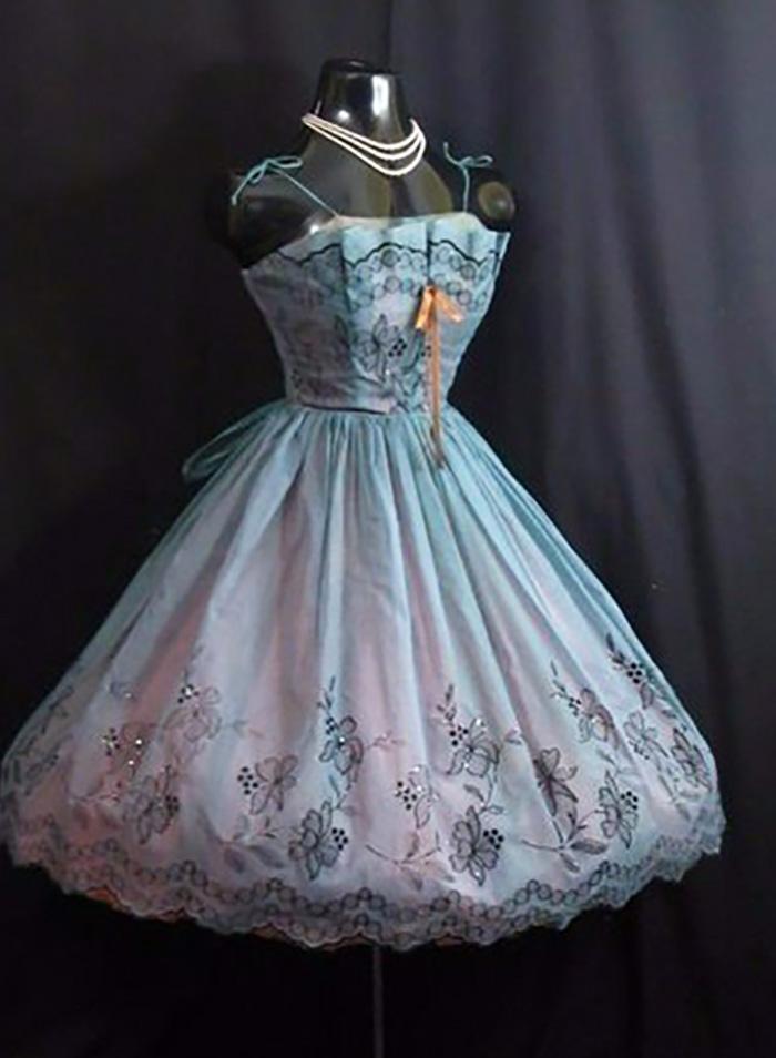 платья в стиле ретро 50-х