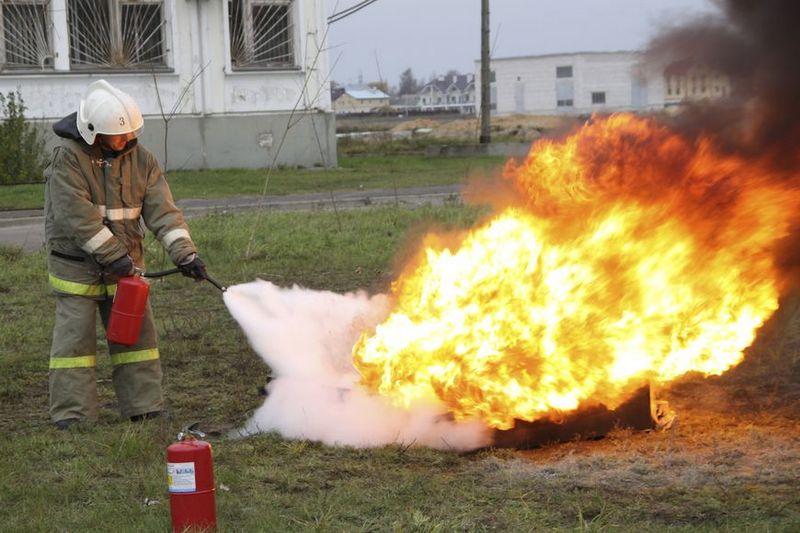 шкафов картинки тушат пожар огнетушителем снимает множество