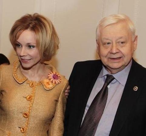 В Сети обсуждают памятник Олегу Табакову