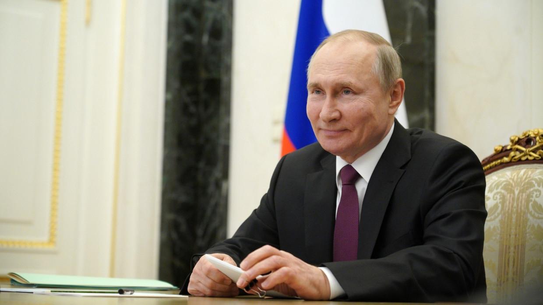 Путин назвал российскую военную технику современной и уникальной Армия