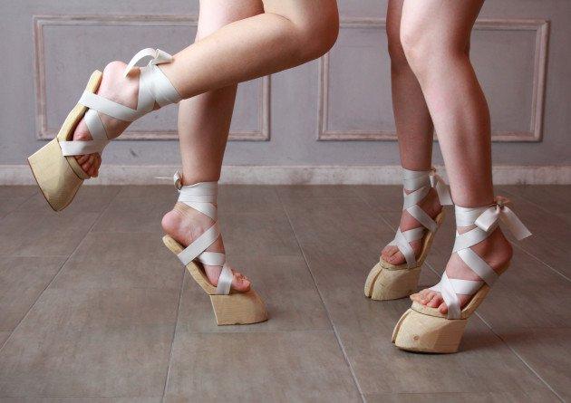 В Японии начали продавать сандалики-копытца для тех, кто готов бросить себе вызов, чтобы выделиться