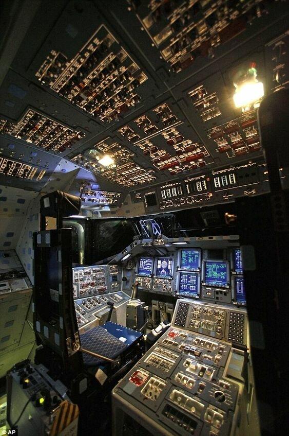 «Спейс шаттл» или просто «Шаттл» — американский многоразовый транспортный космический корабль запуск, космические корабли, космодром, космос, красота, фотомир