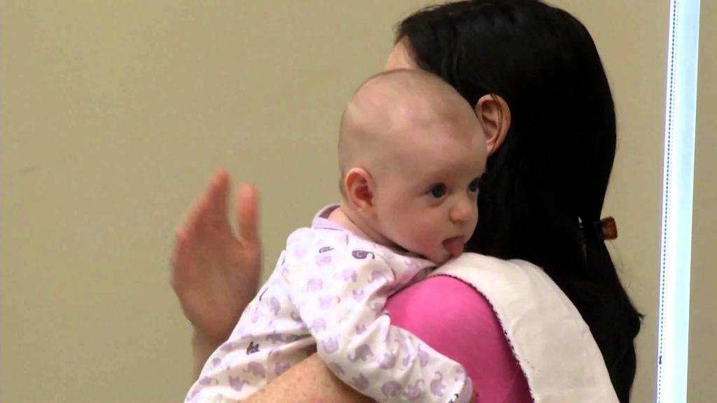 Почему новорожденный срыгивает после кормления грудным молоком: особенности работы ЖКТ у грудничков, причины и методы решения проблемы