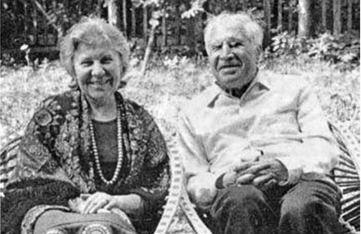 На даче с супругой Александрой. 1970-е годы. история, мальчик Лева