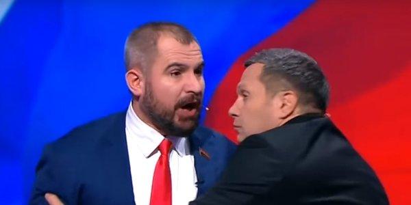 Сурайкин набросился с криками «в морду дам» на представителя Грудинина на теледебатах
