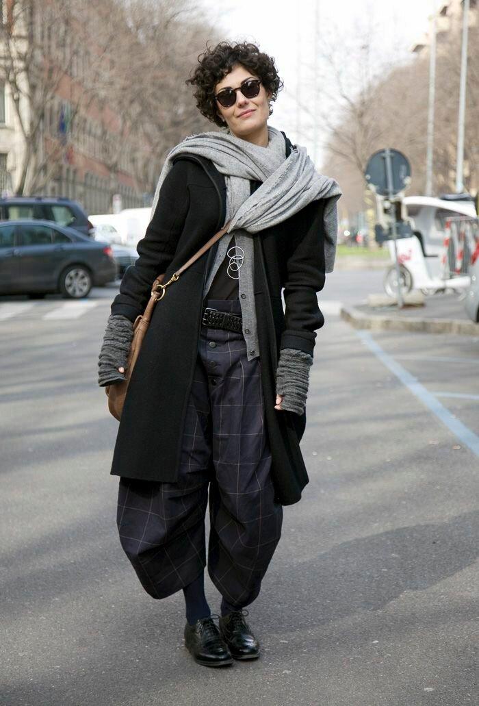 В холодное время года создавайте бохо образы с теплым пальто. /Фото: i.pinimg.com