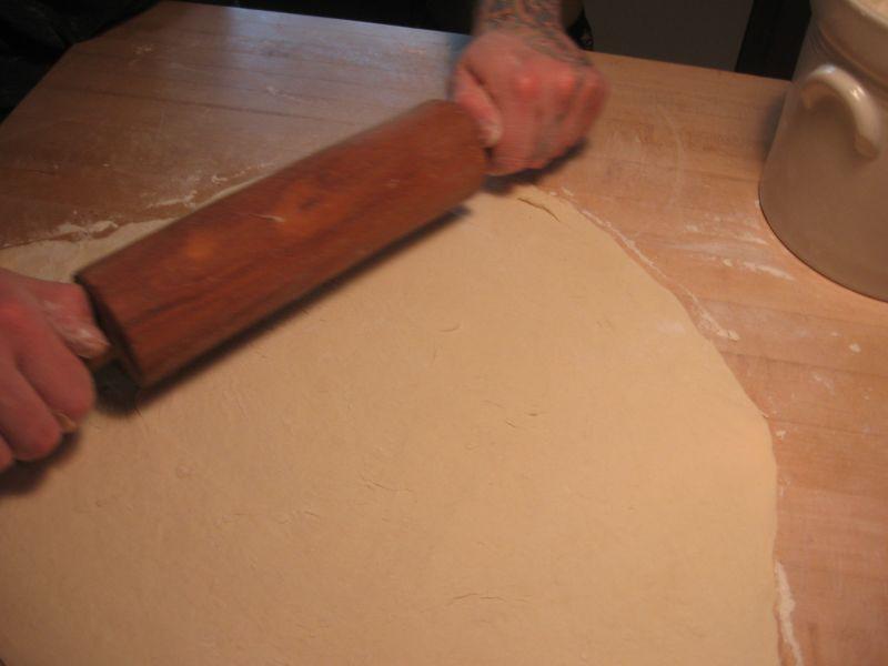 Многослойная пицца, до отвала напичканная мясом, для настоящих мужиков выпечка