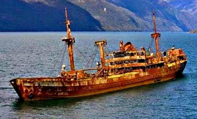 Корабль пропал 90 лет назад: появился снова в Бермудском треугольнике бермудский треугольник,Корабль пропал 90 лет назад,Пространство,Старое судно без следа экипажа