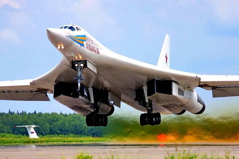 Ту-160 в Венесуэле: Россия посылает США сигнал