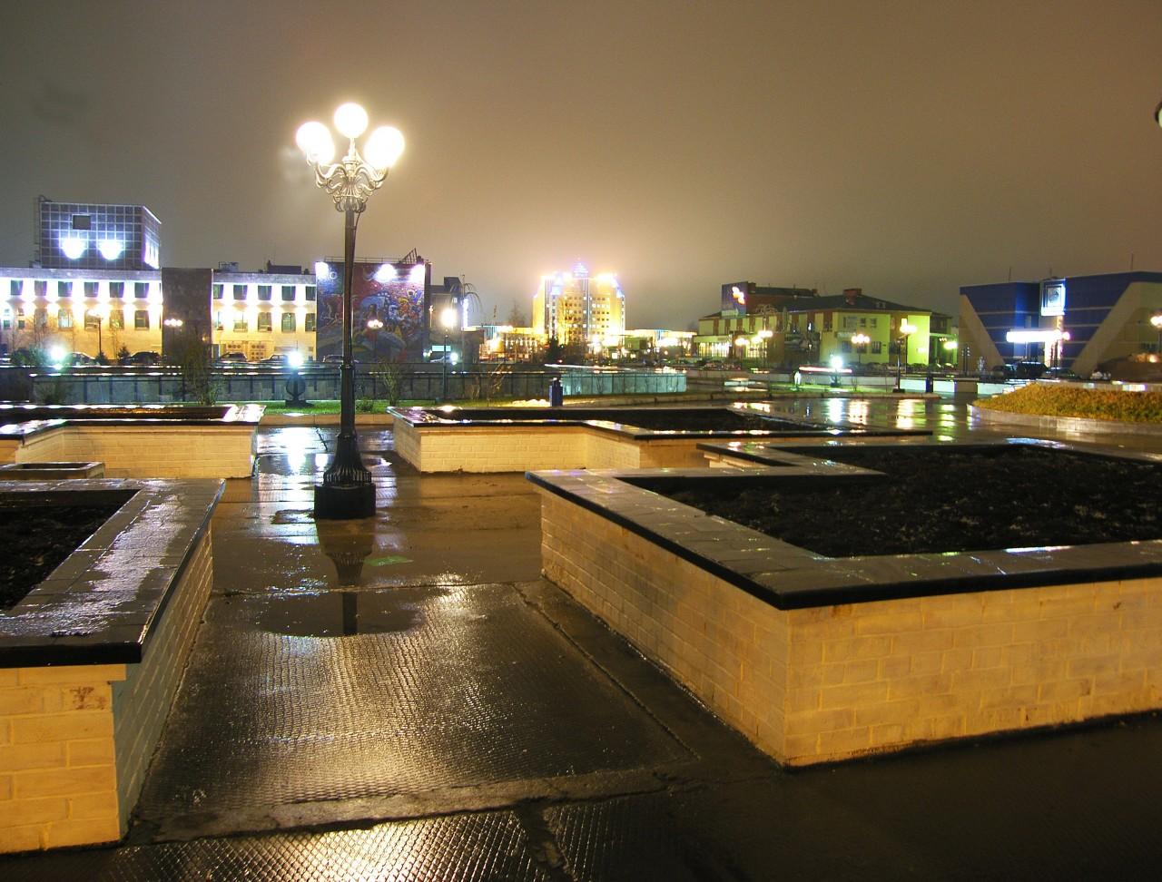 Фото фонтан город югорск огурцов
