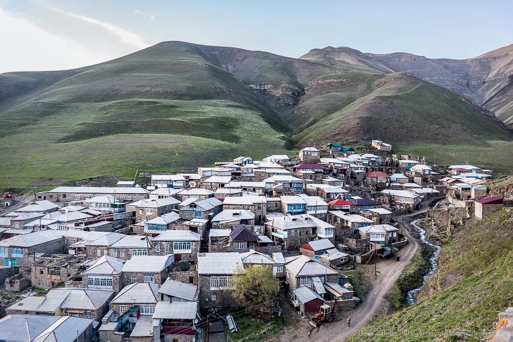 Осторожно Кавказ! Нам приходилось есть шашлык и танцевать лезгинку… Кавказ,путешествие,туризм