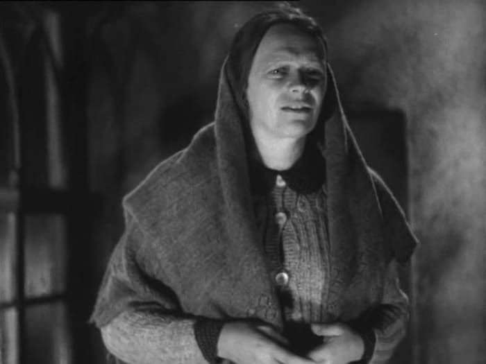 Одна из первых ролей Татьяны Пельтцер в фильме *Простые люди*, 1945 (41 год)   Фото: kino-teatr.ru