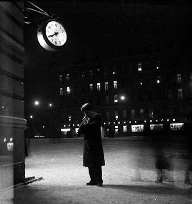 «Мы оба ждали, я у аптеки...», 1956 год.
