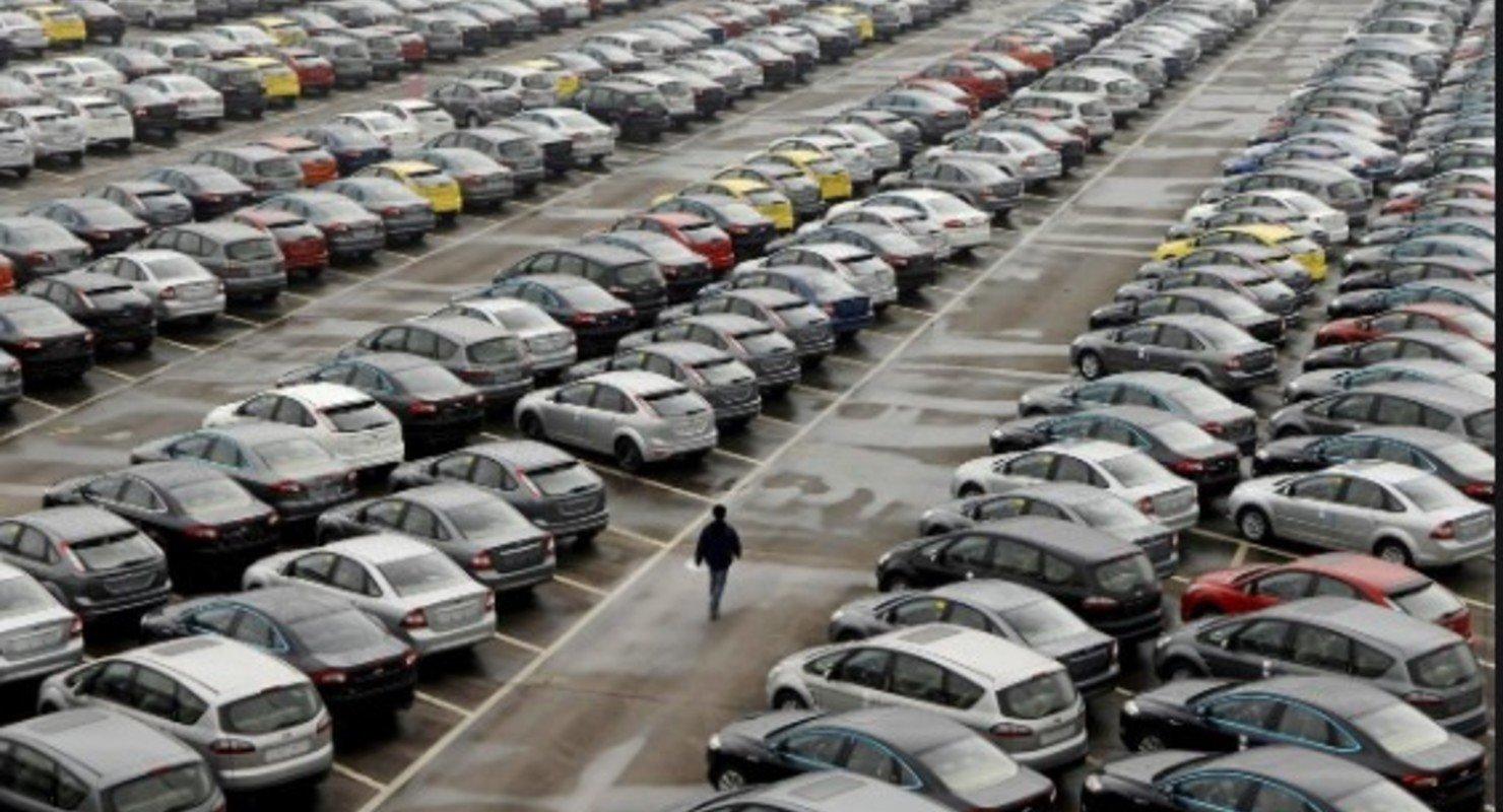 Продажи на французском авторынке продолжают снижаться Автомобили