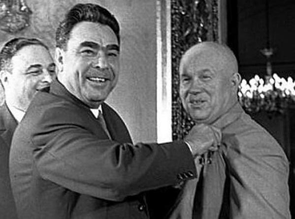За какие вещи Брежнев мог посадить Хрущева после смещения