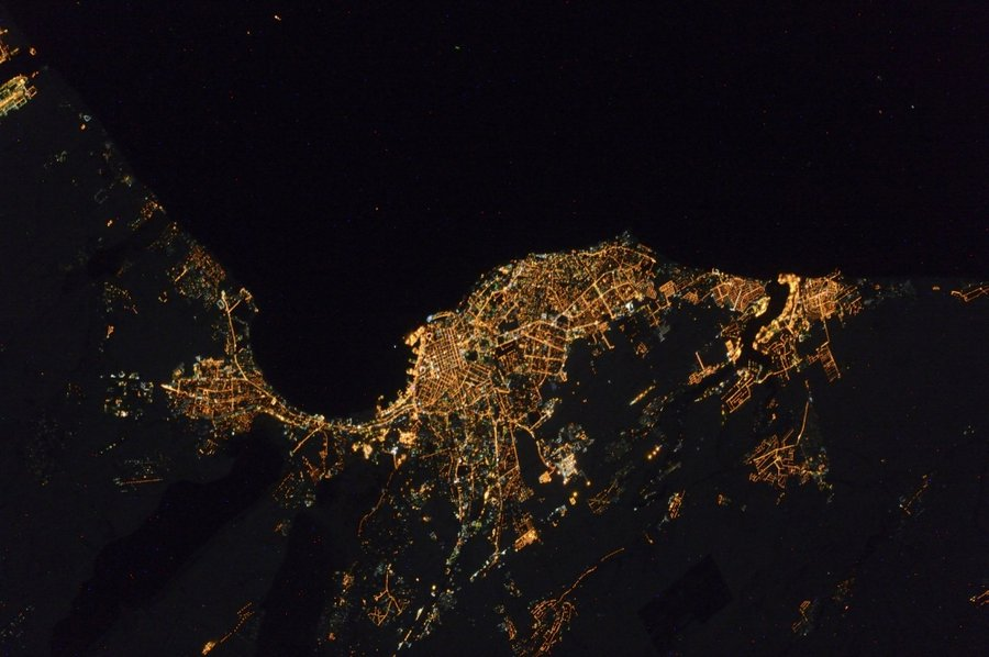 Невероятные снимки городов прямо с МКС