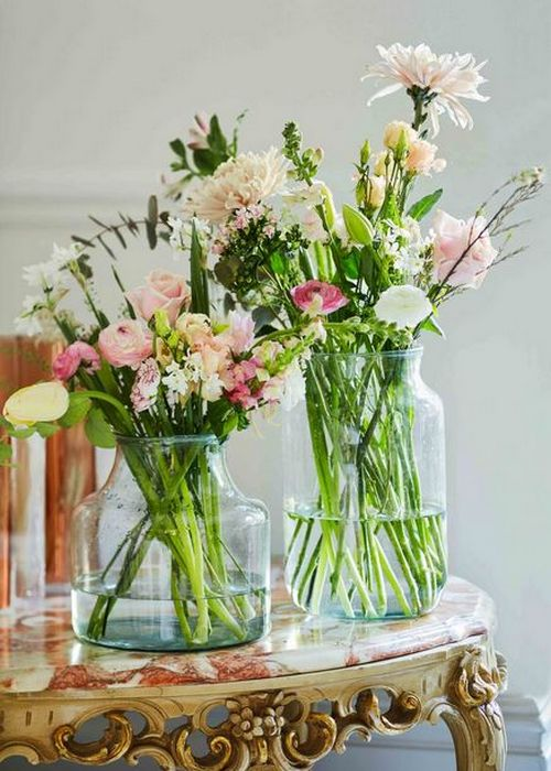 Весенние цветы в интерьере квартиры: миксы в нежных оттенках.