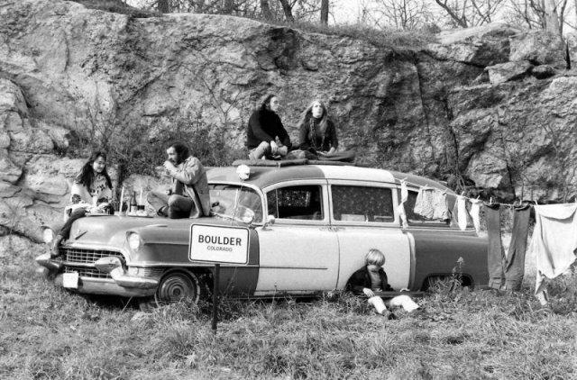 Хиппи протестуют против закона, запрещающего жить в автомобилях. 1969 г история, люди, мир, фото