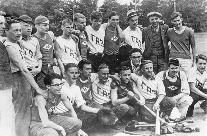 6 июня 1934 года состоялись первые соревнования по бейсболу: московский Клуб иностранных рабочих принимал на стадионе «Динамо» команду из Горького. /Фото: cdn.tribuna.com