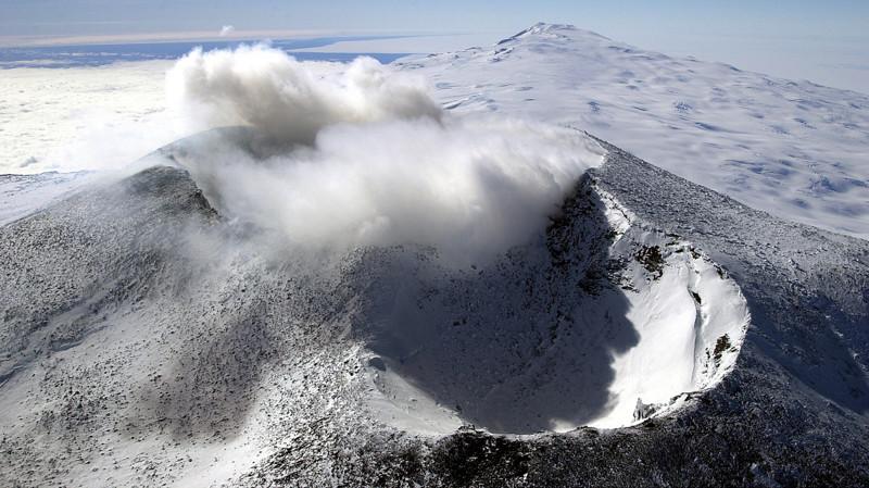 11. Вулкан Эребус в Антарктиде красивые места, прекрасная планета, чудеса природы