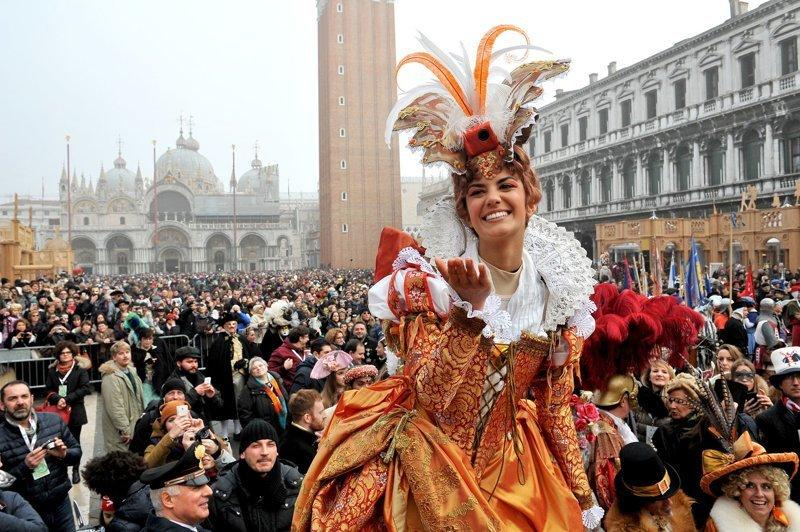 Карнавал в Венеции: ежегодны…