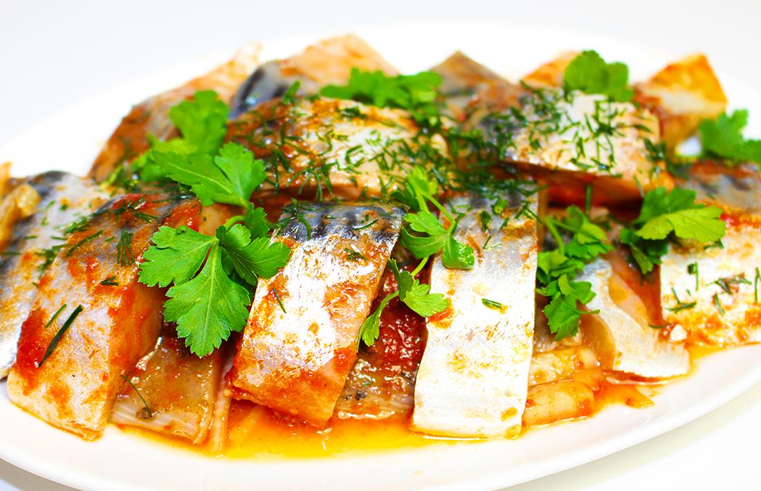 Кому надоела копченая и соленая, вот быстрый вариант приготовления, и полезное, почти диетическое блюдо.