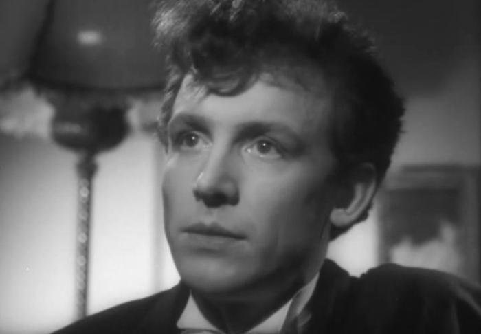 Иннокентий Смоктуновский в своем первом фильме *Как он лгал ее мужу*, 1956 (31 год)   Фото: kino-teatr.ru