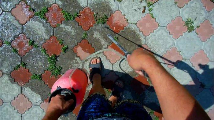 Почти бесплатный способ избавиться от сорняков в швах тротуарной плитки без химии дешевле, гербицидов, сорняками, нужно, раствором, таком, объеме, чтобы, только, сорняки, борьбы, начну, сразу, увядать, второй, пожухнут, сорняков, тротуарной, после, дождяЛистья