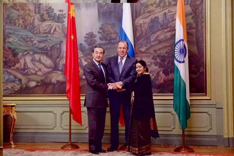 Курс на сближение: Китай хочет усилить сотрудничество с РФ
