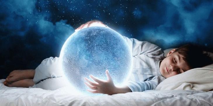 Необычное влияние полной луны на сон.