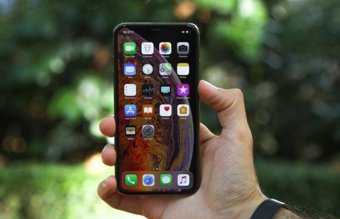 Знаковые смартфоны с очень большими экранами, появившиеся за последний год