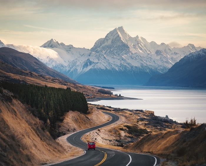 «Заснеженные вершины гор - это самое чистое и светлое, что есть на земле, не зря они находятся ближе всего к небесам.»