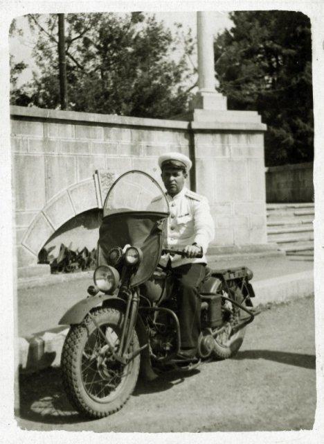 "Офицер милиции на мотоцикле ""Harley-Davidson"", г.Сочи 1947 г. история, люди, мир, фото"